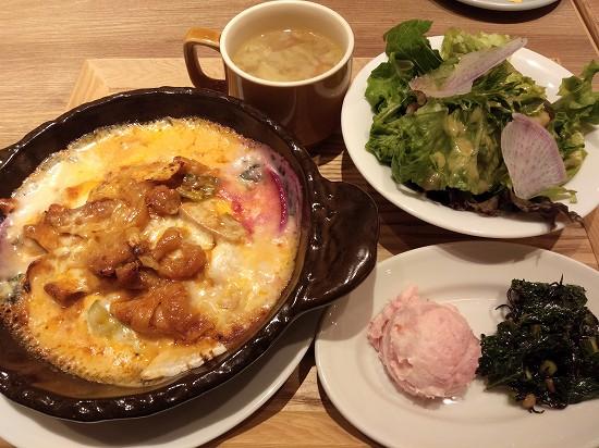 タッカルビと三浦野菜の5種チーズたっぷりドリア