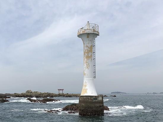 裕次郎灯台と名島 葉山クルージング