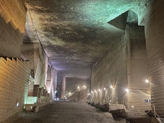 大谷石地下採掘場跡5