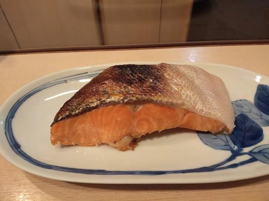 花未月 新橋 甘塩鮭焼き
