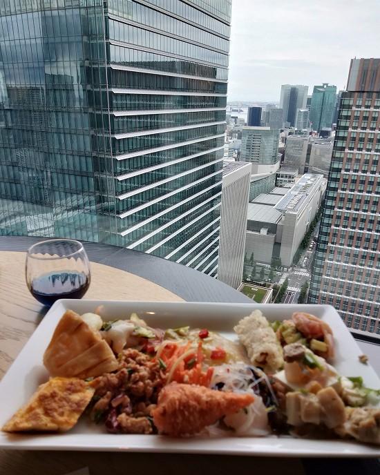 ビュッフェ料理 マンゴツリー東京 ランチ