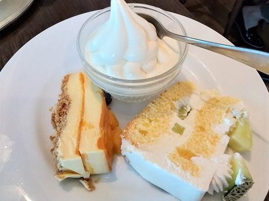 メロンのショートケーキとマンゴーレアチーズケーキ ニナスみなとみらい