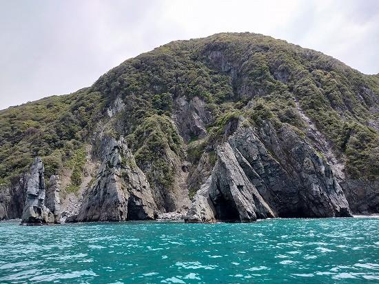 奇岩群 青海島クルーズ